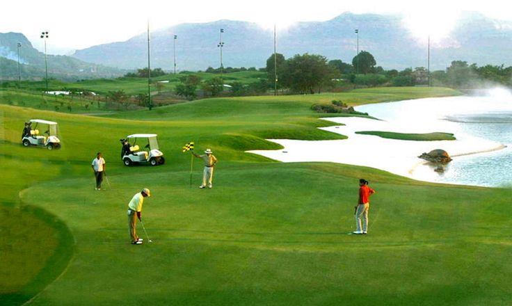 Golfing can be very well enjoyed in Shimla
