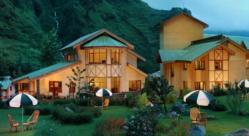 Destination Wedding in Himachal Pradesh: A 3* Resort Accomodation for an intimate wedding in Manali