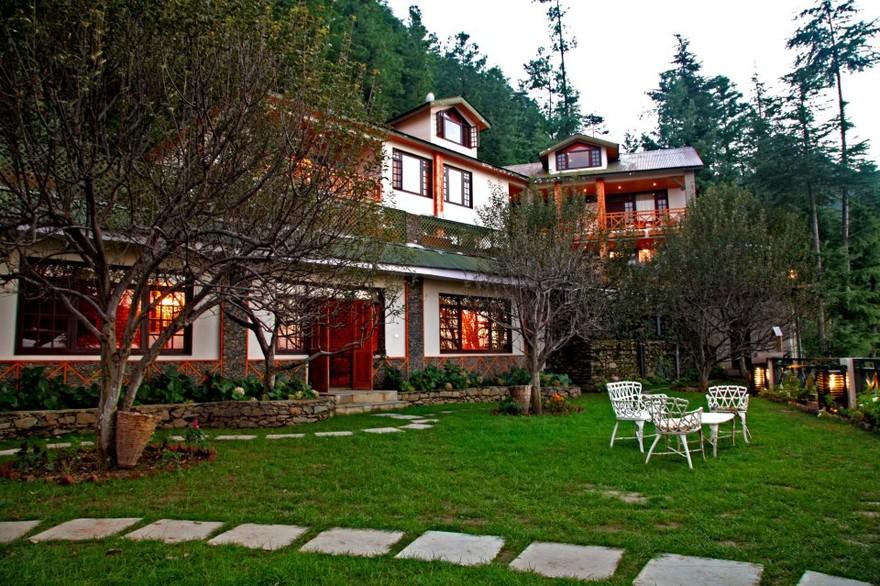Destination wedding in Himachal Pradesh: A private villa accomodation in Mashobra.