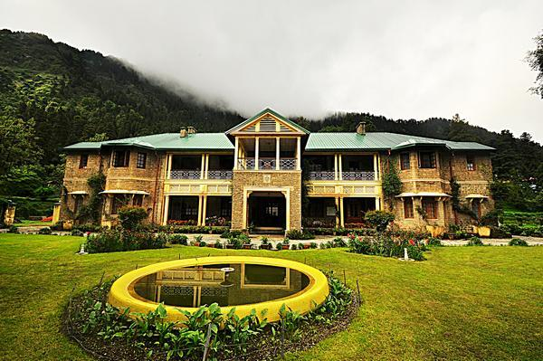 Destination wedding in Summer: An Heritage Property in Nainital