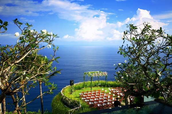 Island-Beach Wedding: Wedding setting in Daman