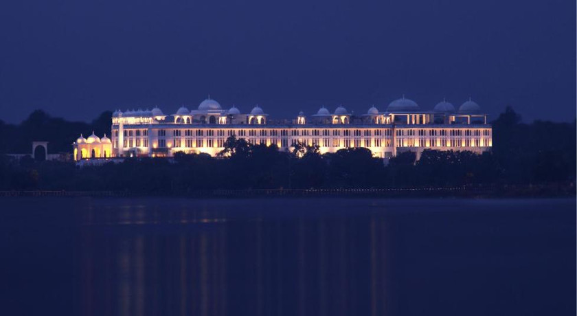 Palace wedding in Udaipur: Radisson Blu Udaipur